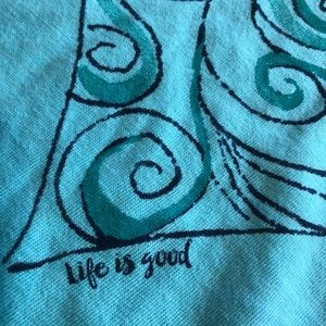 Life Is Good Tops - M Life is Good longsleeved hooded shirt